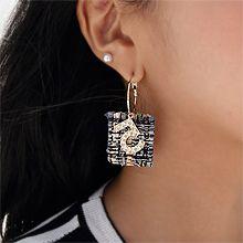 48593耳圈耳扣, 字母数字/符号数字 5 字母 N 不对称 条纹 编织