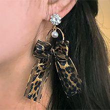 48781耳钉式, 植物花 蝴蝶结 圆环 珠子