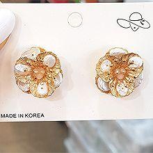 51748耳钉式, 植物花 巴洛克珍珠 天然珍珠