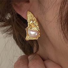 51949耳钉式珍珠 珠子 不对称 三角形 凹凸不平