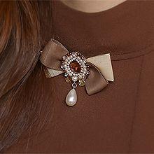 51837蝴蝶结蝴蝶结 水滴形 珍珠 珠子 胸针