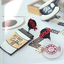 49669耳钉式, 字母数字/符号, 食物/饮料咖啡 字母 圆形 不对称 圆形 杯子