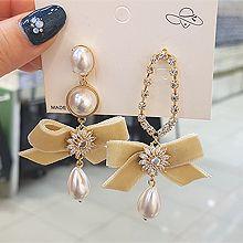 54723耳钉式, 蝴蝶结, 植物椭圆形 蝴蝶结 花 水滴形 不对称 珍珠 珠子