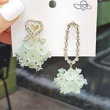 53435耳钉式, 心形, 植物心形 花 不对称 椭圆形 珠子 珍珠