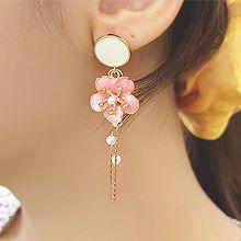 53492耳钉式, 植物花 圆形 珠子 珍珠 流苏