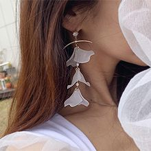53552耳钉式, 植物弧形 花瓣 珍珠 珠子