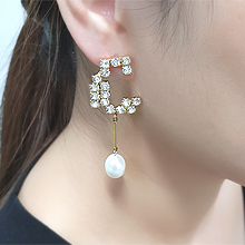 55482耳钉式C形 天然珍珠