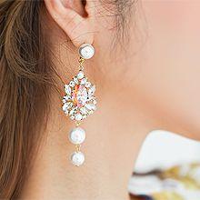 55768耳钉式花 椭圆形 珍珠 珠子 不对称