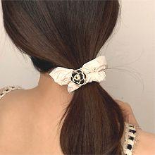 发绳怎么绑头发