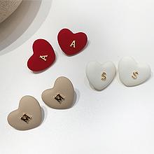 56207耳钉式, 心形, 字母数字/符号心形 字母